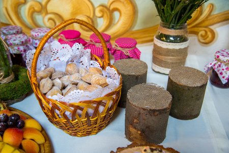banqueting: design sweet table wooden stumps
