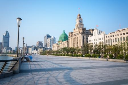 Een rustige ochtend langs de Bund in Shanghai