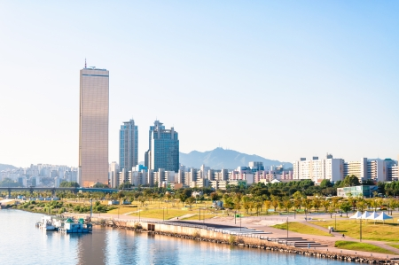 The skyline of Seoul and the Han River  Foto de archivo