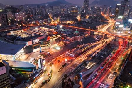 Seoul Station in de schemering
