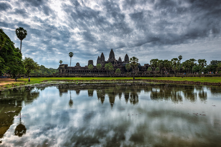 siem reap: Cloudy morning over the ancient temples of Angkor Wat in Siem Reap, Cambodia. Stock Photo