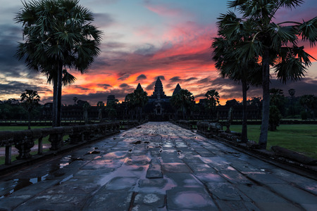 historical landmark: The sun rises over the ancient temples of Angkor Wat in Siem Reap, Cambodia. Stock Photo