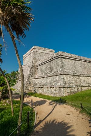 mayan culture: El Castillo, the central piece of the ancient Mayan ruins at Tulum, Mexico.