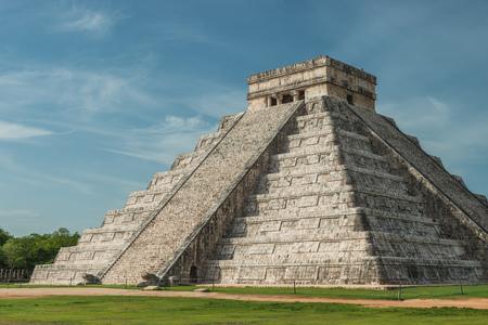 The ancient Pyramid of Kukulcan, or El Castillo, in Chichen Itza, Mexico. Stock Photo