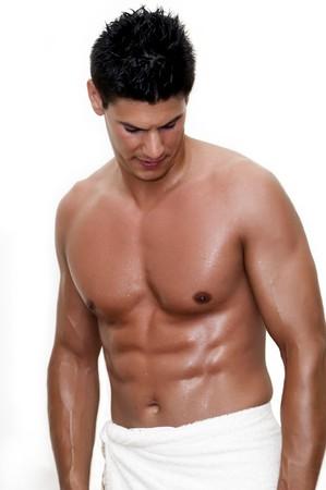 nudo maschile: modello fotografato con asciugamano, shirtless