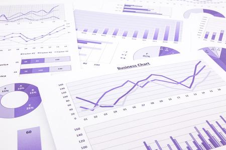 紫のグラフ、グラフ、データ、レポート管理予算マーケティング研究をまとめた企画事業