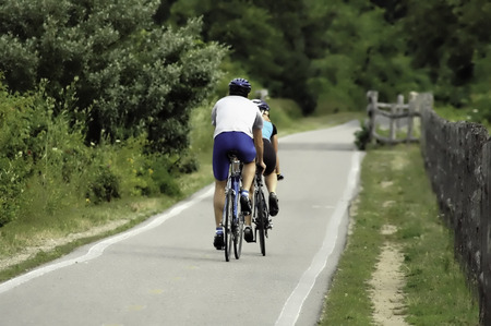 自転車道のサイクリスト