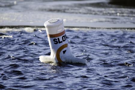川の制限速度のブイ警告 写真素材