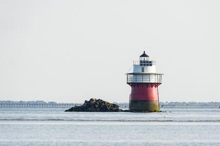 플리머스 항구 입구 근처에있는 버그 라이트