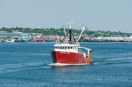 New Bedford, Massachusetts, USA - May 25, 2018: Commercial fishing vessel Sandra Jane heading for Buzzards Bay Redactioneel