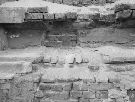 ruined wall photo