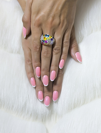 acryle: French manicure nails and chamomile flowers