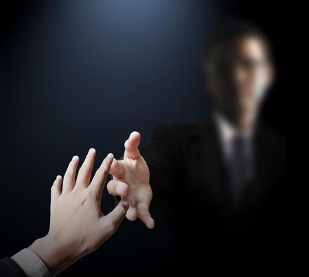 arrepentimiento: Ayudar a mano en los negocios