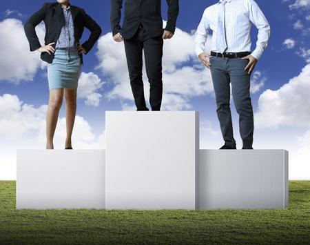 Business-Leute auf dem Podium