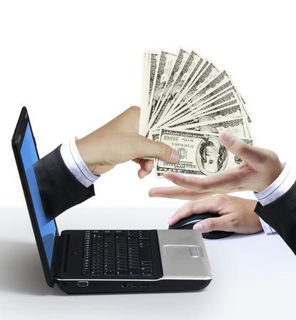 gotówka: dolarów pojawi się na ekranie laptopa
