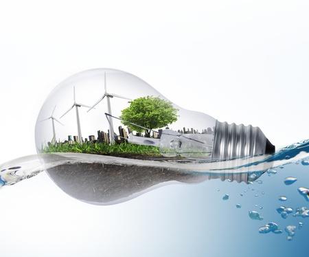 energia solar: Idea, l�mpara de luz Foto de archivo