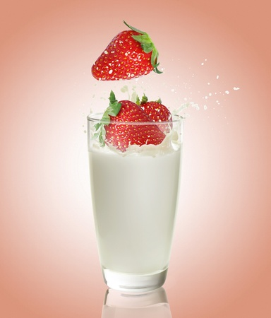 Strawberry juice  Stock Photo - 11236715