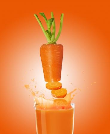 verre jus orange: jus de carotte