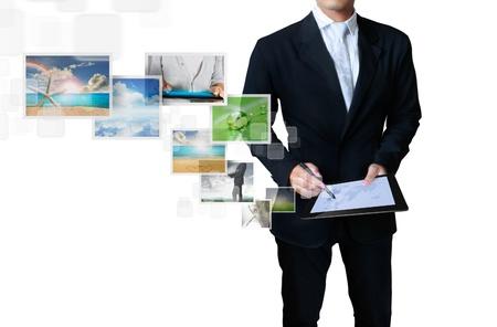 concept images: tocco immagini concetto tablet in streaming dal profondo isolato su sfondo bianco