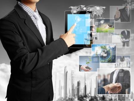 concept images: toccare le immagini concept tablet in streaming dal profondo Archivio Fotografico
