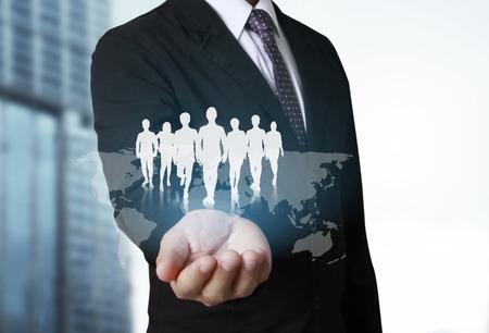 sozialen Netzwerk-Struktur in der Hand Geschäftsmann Standard-Bild
