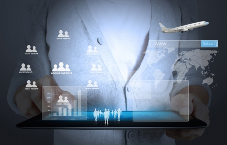 crisis economica: pantalla táctil, toque tableta en manos