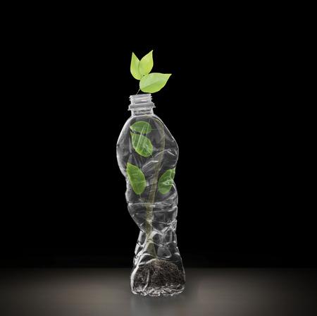 Bottiglie in policarbonato di plastica di riciclo, bottiglie di acqua minerale