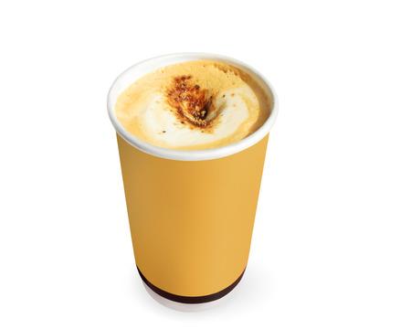 Bruin papier kopje koffie op een witte achtergrond