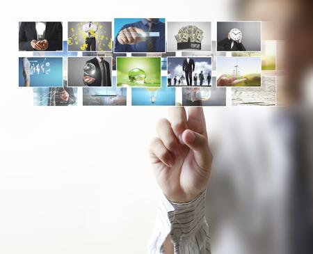 ビジネスマンやストリーミング、デジタル フォト アルバムに到達イメージ