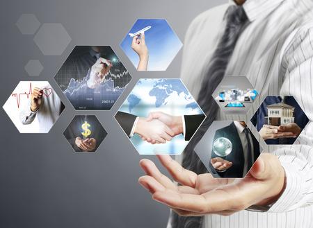 tecnologia: visualização de fotos digitais, a nova tecnologia de computador Banco de Imagens