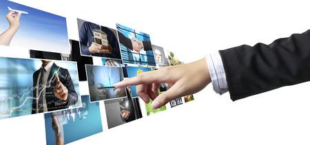 Geschäftsleute und Erreichen von Bildern Streaming, digitales Fotoalbum Standard-Bild - 43503979