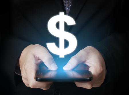 hand holding smart phone: hand holding smart phone