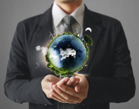グローブ、輝く地球を持っている手、人間の手で地球。Nasa から提供された地球イメージ 写真素材