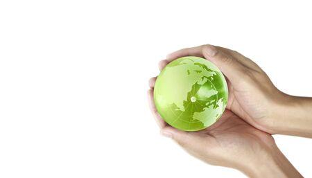 Globus, Erde in menschlicher Hand, die unseren Planeten glühend hält. Erdbild zur Verfügung gestellt von der Nasa