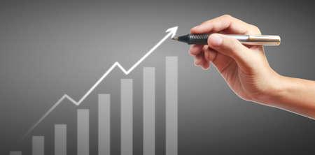 Hand drawing a chart, graph stock of growth 版權商用圖片 - 157236601