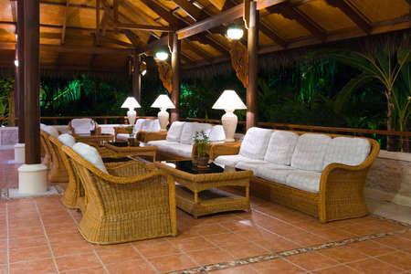 vestibulos: Interior del vest�bulo del hotel tropicales, los viajes de fondo Foto de archivo