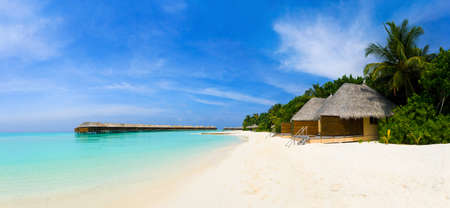 bungalows: Panorama of tropical beach, travel vacation background