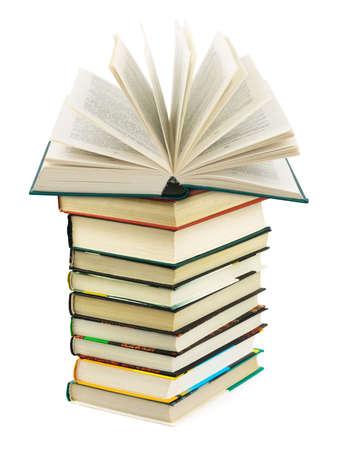 apriva: Aperto il libro pila isolato su sfondo bianco