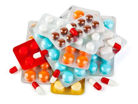 pastillas: Paquetes de p�ldoras aisladas sobre fondo blanco