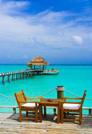 tabla de surf: Caf� en la playa, el mar y el cielo