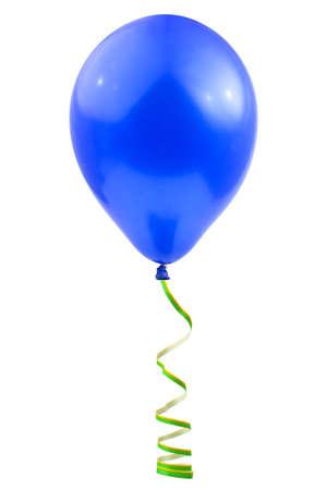Ballon und Streamer isoliert auf weißem Hintergrund