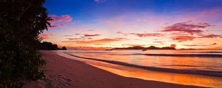 seychelles: 일몰 열 대 섬 - 자연 배경