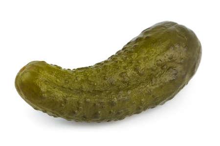 pickles: Pickles pepino aislado sobre fondo blanco