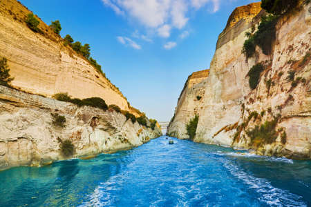 Corinth channel in Greece - travel background 스톡 콘텐츠