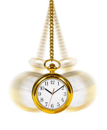 reloj de pendulo: Reloj retro y cadena aisladas sobre fondo blanco