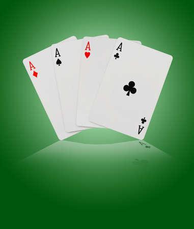 jeu de cartes: Cartes � jouer - sur fond vert