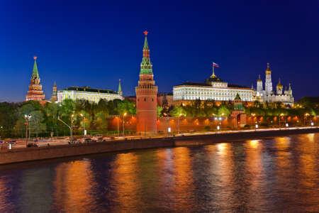 Kreml w Moskwie (Rosja) w nocy