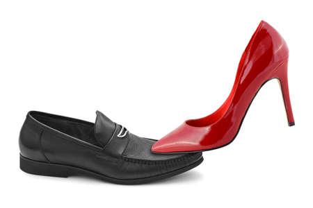 Chaussures homme et femme isolée sur fond blanc