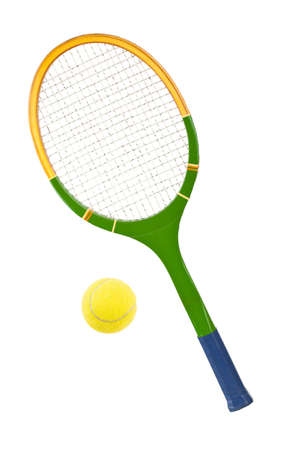 raqueta de tenis: Tenis raqueta y la pelota aislados sobre fondo blanco