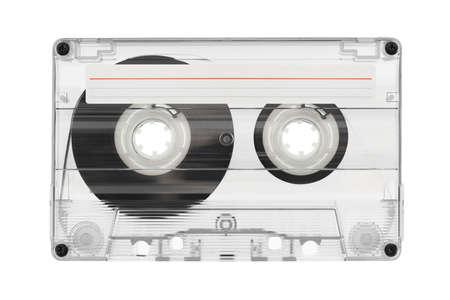 grabadora: Cinta de audio con la etiqueta aisladas sobre fondo blanco